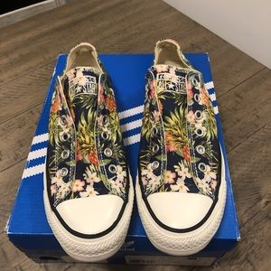 Converse slip on pineapple shoes